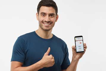 applying for a private loan online with a smartphone